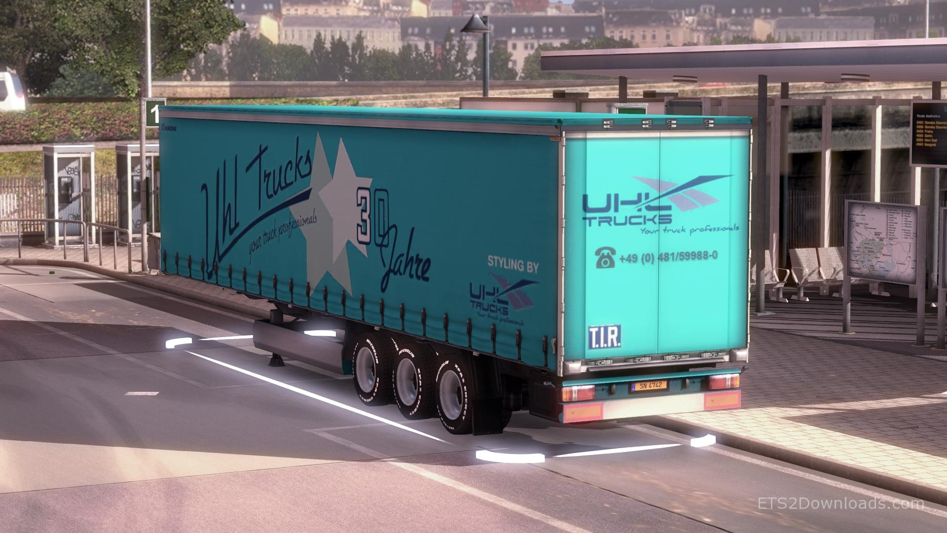 uhl-trucks-trailer