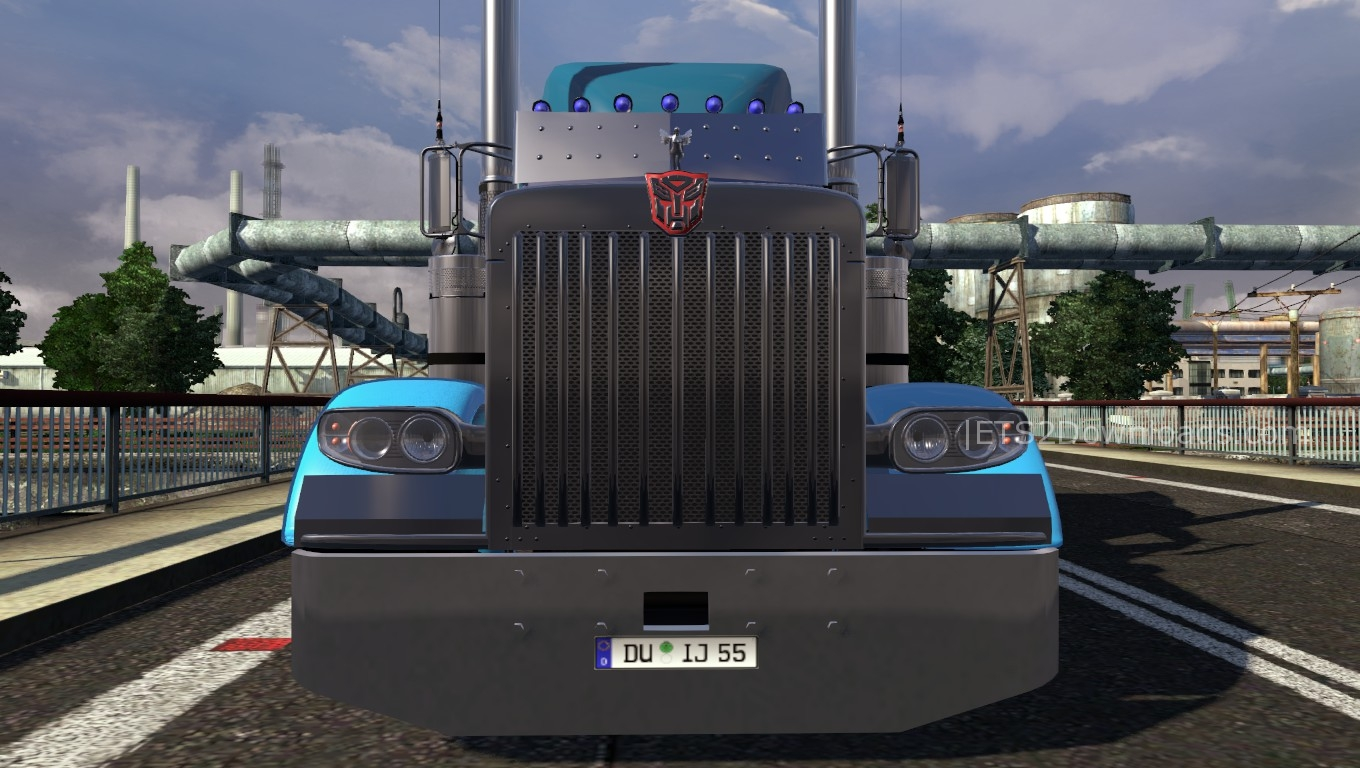 peterbilt-389-optimus-prime-3